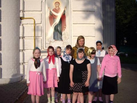 На Всеночное бдение перед празднованием Казанской иконы Божией Матери.