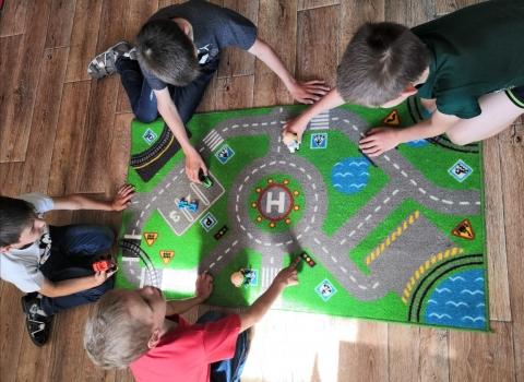 Учим правила дорожного движения